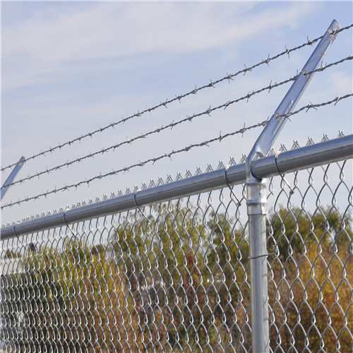 DM Chain-Link-Fence Barbed-Wire1