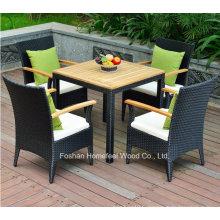 Ensemble de table en rotin de jardin 5 pièces avec coussins
