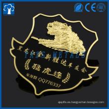 insignia de metal personalizada