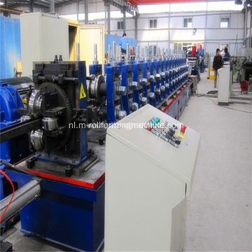 Metalen stud en track roll vormen machine