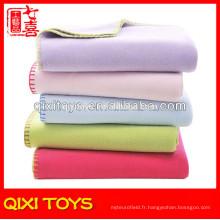 Doux toucher bébé couvertures bon marché en gros polaire bébé couverture