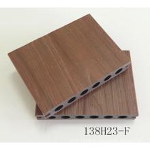 Hueco redondo hueco Decking 138 * 23 mm Co-Extrusion WPC Strip