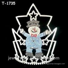 Decorações do Natal da forma coroam com o boneco de neve colorido