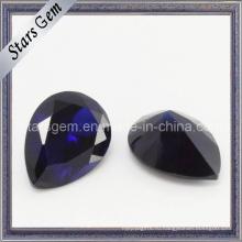 Темно-фиолетовый драгоценный камень с кубическим цирконием