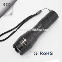 Lanterna LED Zoomable tocha por 1 * 18650 ou 3 * AAA