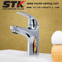 Grifo del lavabo del cuerpo de cobre amarillo de la alta calidad con la galjanoplastia del cromo