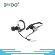 Auricular estéreo de alta calidad del teléfono móvil en la oreja