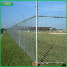 Manufacturer anti-climb barbed wire on top with chain wire fence