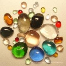 Uso de la piscina de cristal de color guijarros