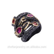 Chapado en rodio negro de la vendimia Anillo de la CZ de la piedra preciosa de rubí