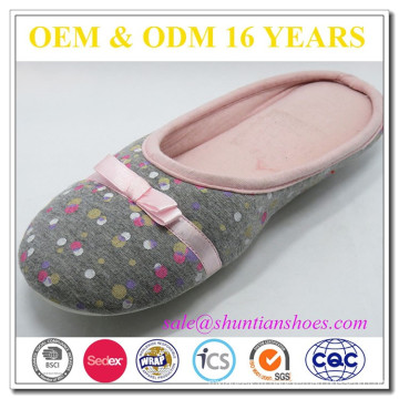 Янчжоу производитель обуви сделал онлайн комнатные тапочки женщина