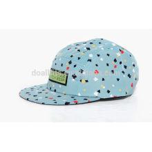 Design em branco em branco 5 chapéus de painel com grande preço