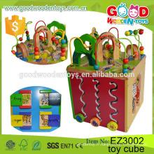 Quatre côtés éducatifs en bois Cube Box Jeu Activités maternelles Activités Centre de jeu Baby Toy Cube