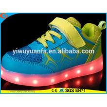 Zapatos recargables corrientes que se ejecutan que destellan ligeros calientes del LED para el regalo de los cabritos