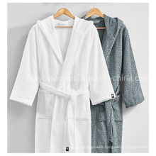 China Made 100% Cotton Hotel SPA Sauna Towel, Durable Embroidery Logo Towel Customized for Sale, Absorbent Antibacterial Bathrobe