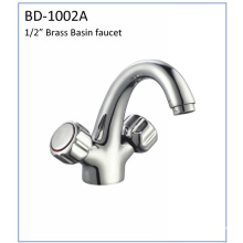 Bd1002A Double Handle Brass Basin Faucet