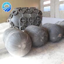 Pára-choques de borracha pneumática para navios-tanque e navios de carga a granel