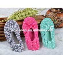 Плоская мягкая единственная домашняя обувь