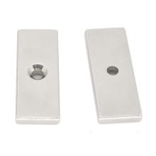 Ndfeb Cuboid Magnet Block Avellanado Agujero en forma