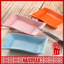 Ceramic oval red bake ware with silicone lid Lunch box locker bowl Japanese noodle bowl