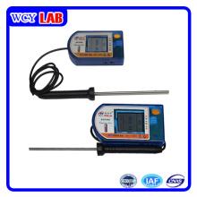Puerto USB con Sensor de Temperatura de Pantalla en Laboratorio Digital