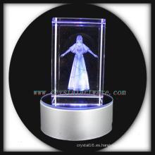 belleza de cristal grabada con láser 3D con la base llevada