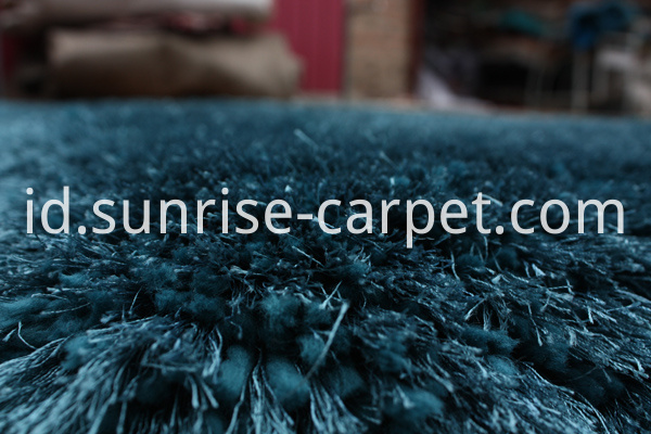Elastane and Silk Shagy rug blue color