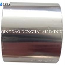 Folha de alumínio e papel de cozinha