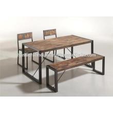 Pieds en métal industriel et table à manger en bois à la mangue