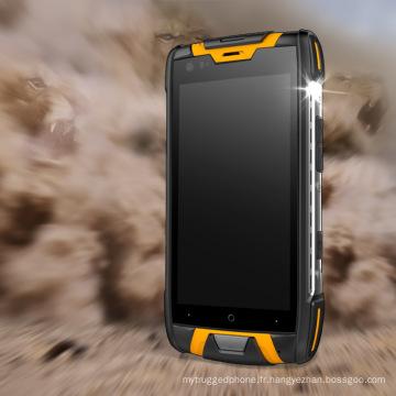 4.5 pouces Quad Cores 4G IP68 NFC Smart Rugged Mobile Phone