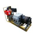 Seilbetriebene Zugwinde mit Riemenantrieb und Dieselmotor