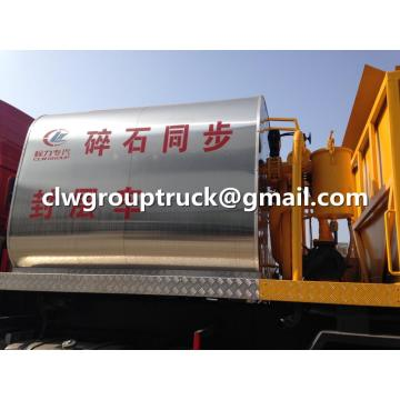 SINOTRUCK Synchronized Crushed Stone Seal Truck