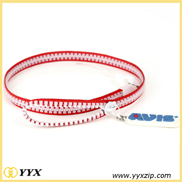 red edge,white teeth zip-lanyard