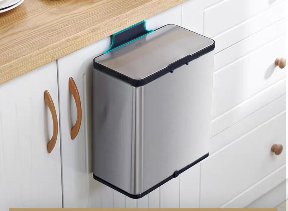 Wall-mounted Wastebin