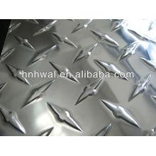 Яркий алюминиевый лист пять бар