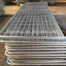 I / N / V permanezca la puerta galvanizada del campo del hierro / la puerta caliente de la granja de la malla de alambre de la venta
