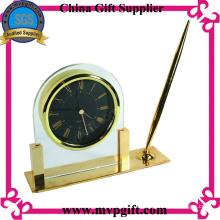 Nuevo reloj de mesa de diseño con el sostenedor de la pluma