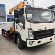 4x2 Sinotruck RHD LHD 5000kg truck mounted crane