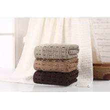 (BC-TB1003) Toalla de baño de felpa teñida de color liso 100% algodón de venta caliente