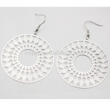 Hohles geometrisches Muster Ethnischer Art-Edelstahl-Silber-runder Tropfen-Ohrring für Frauen