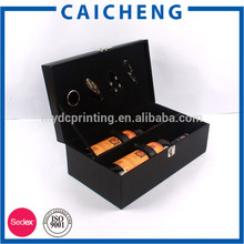 boîte en bois carrée pour le vin rouge