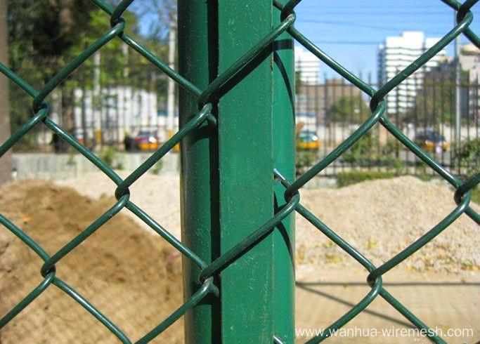 Anti-corrosion chain link fence