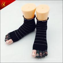 Fünf Zehen-Socken mit Jacquard