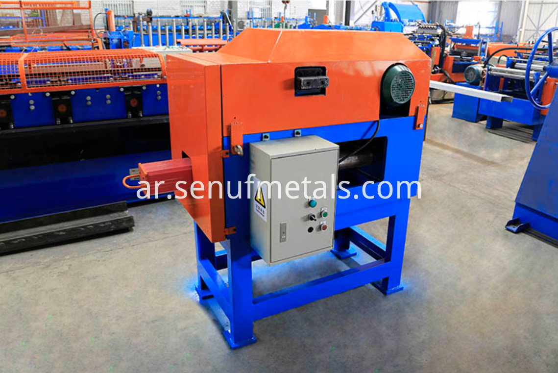 Downspout pipe forming machine bender