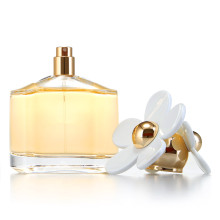 Perfume for Lady with Fresh Smell and Famous Model