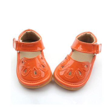 Venta al por mayor 2018 New Fashion Gold Kids Squeaky Shoes