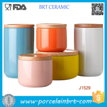 Tarro de cerámica del tarro / del titular de la vela de la impresión modificada para requisitos particulares con la tapa de bambú / de cerámica