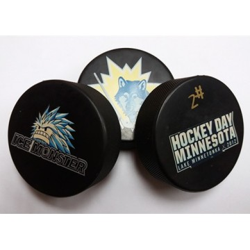 street hockey ball ice hockey puck