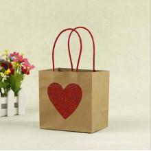 MOQ 500 Rote Farbe Herzform Bild Schöne Kraftpapier Geschenktüte