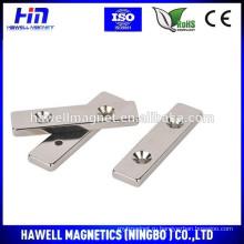 N52 спеченный неодимовый магнит с двумя отверстиями с потайной головкой (ROHS)